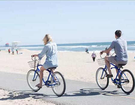 海沿いをサイクリング
